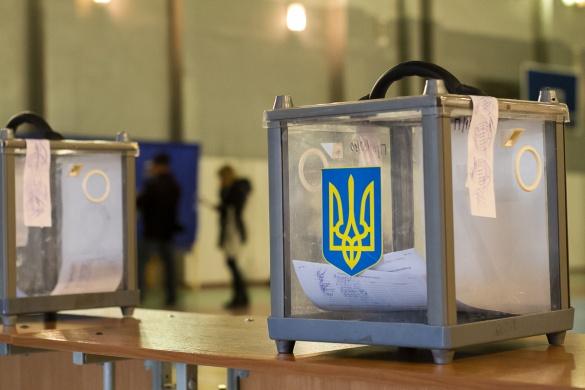У Черкасах міліція цілодобово охороняє виборчу комісію