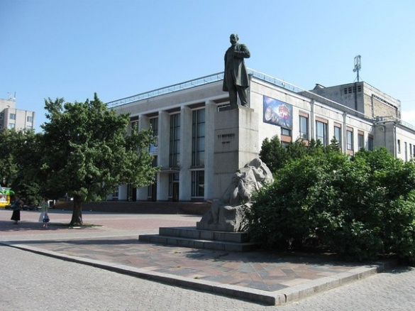 Черкаському театру побудують дах до кінця року