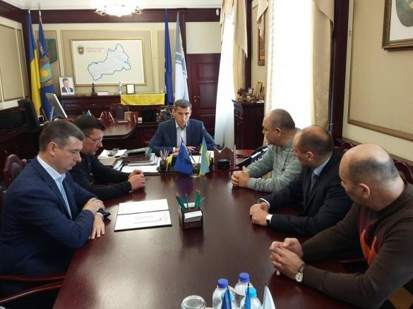 Ткаченко зібрав за круглим столом кандидатів у мери Черкас