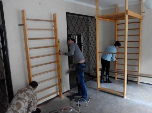 Черкаський атовець обладнав спортзал для дітей в лікарні