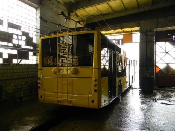 До Черкас прибувають нові тролейбуси (ФОТО)