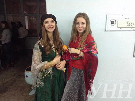 Великий Гетсбі та Кармеліта: як у Черкасах День студента святкують (ФОТО)