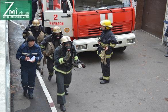 В ТРЦ у центрі Черкас рятувальники гасили