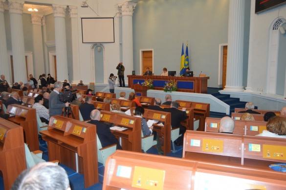 Черкаські депутати та громада влаштували гаряче обговорення кандидатур на голову облради