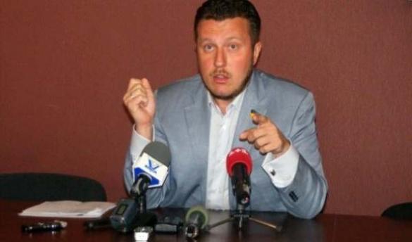 Черкаський народний депутат не збрехав і склав мандат
