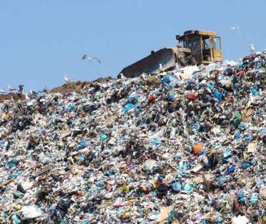 Хоча б в одному місті Черкаської області почали прибирати сміттєзвалища