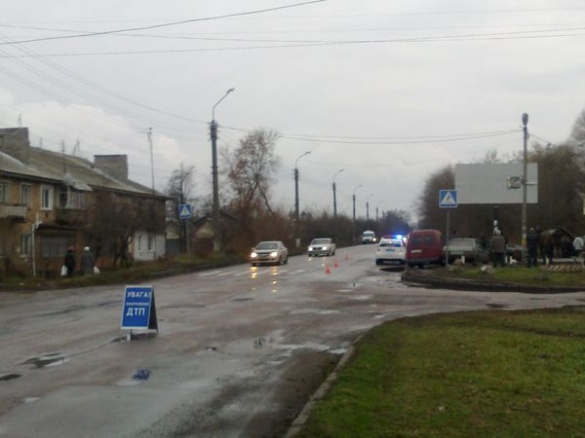На Смілянській трасі через яму на дорозі постраждала дитина (ФОТО)