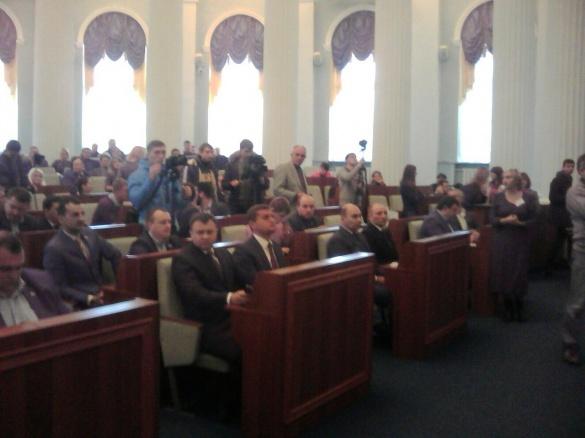 У Черкасах розпочалася перша сесія нових депутатів