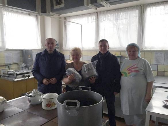 Міський голова Черкас скуштував обід з кухні дитячого садочку