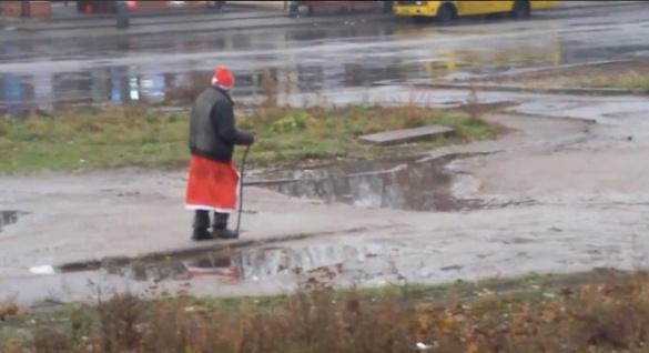 У мережі жартують над черкаським Дідом Морозом (ВІДЕО)