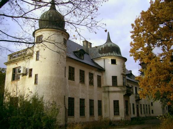 На Черкащині зберігся унікальний замок, побудований у французькому стилі