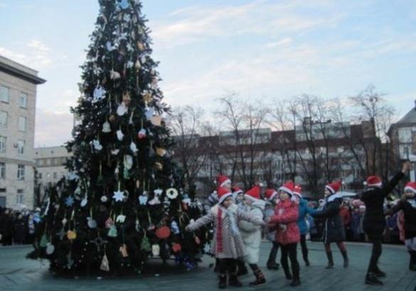 На конкурсі різдвяних зірок оберуть прикраси для ялинки в центрі Черкас