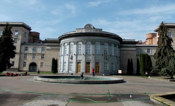 Черкаські депутати вирішили проводити сесію за зачиненими дверима (ФОТО)