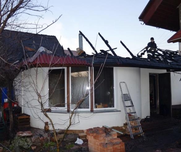 У Черкасах сталася пожежа у лазні (ВІДЕО)