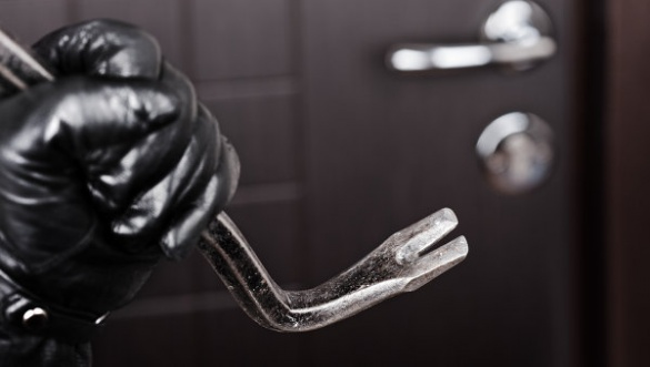 На Черкащині за крадіжку у матері, син може опинитися у тюрмі на 6 років