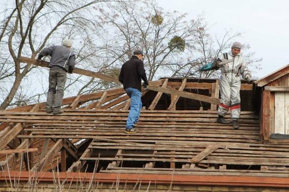У Черкасах почали ремонтувати покрівлю дитячої школи мистецтв (ФОТО)