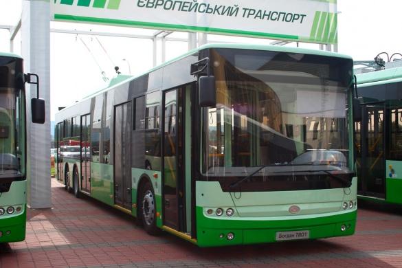 Доручення міського голови Черкас: нові тролейбуси та графік руху у вихідні