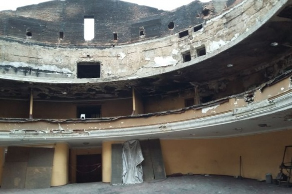 Черкаський театр мають відремонтувати за місяць?