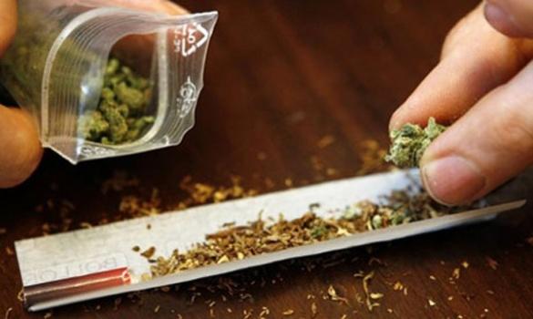 У студента черкаського вишу знайшли наркотики