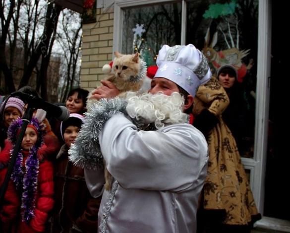 У центрі Черкаської області для дітей оселився казковий дід