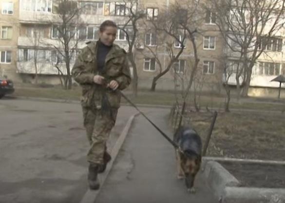 Матір загиблого черкаського АТОвця стала військовою
