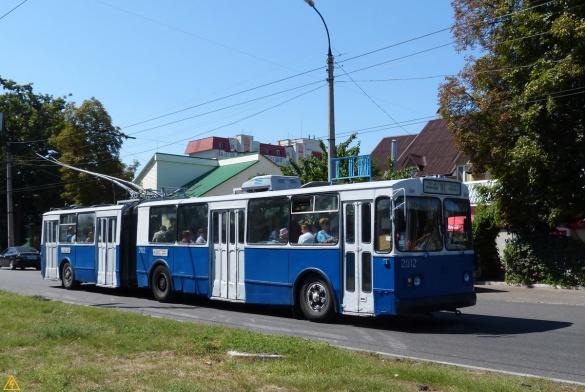 Черкащани нарікають, що містом  їздить мало тролейбусів