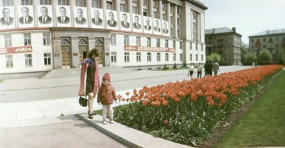 На черкаській площі висіли портрети радянських вождів