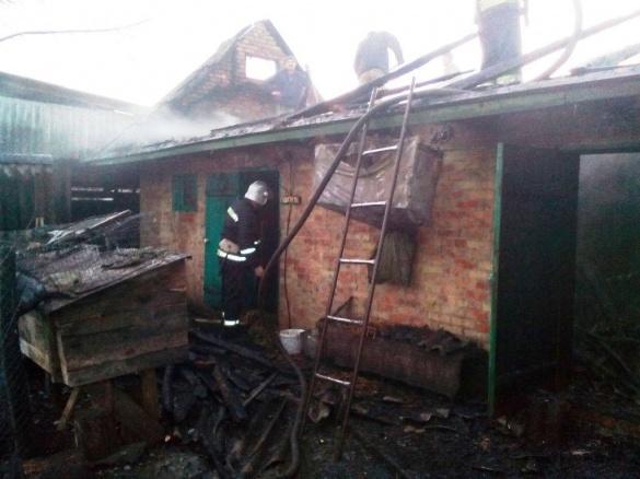 На Черкащині вогонь знищив 3 тонни соломи та побутову техніку