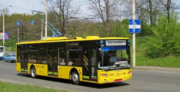 У черкаських тролейбусах можна придбати проїзний квиток на місяць