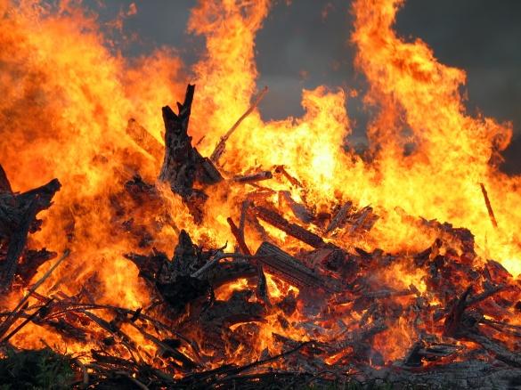 На Черкащині через цигарку виникла пожежа, на якій загинув чоловік
