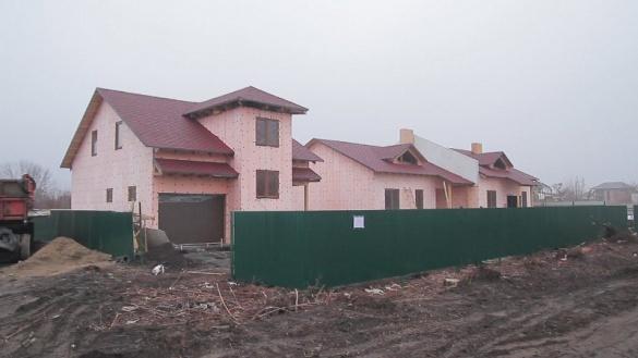 Черкаські АТОвці отримали у власність три котеджні будиночки на Ватутіна