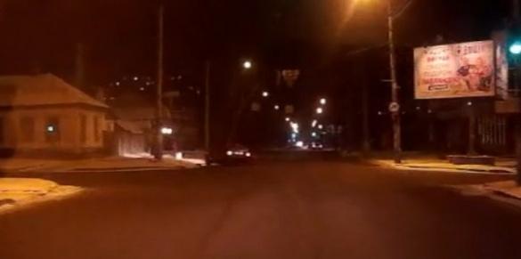 ДТП у Черкасах: авто в'їхало у паркан, а водій втік з місця пригоди (ВІДЕО)
