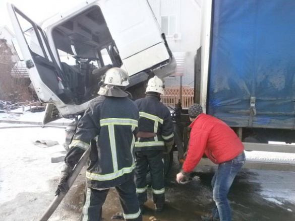 На Черкащині водій мало не спалив авто поки розігрівав кабіну