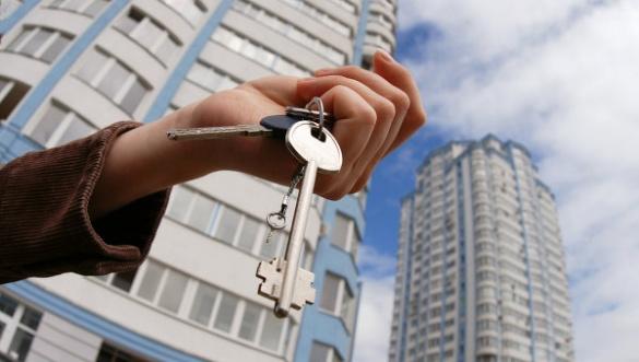 У Черкасах п'ятьом родинам АТОвців вручили ключі від квартир