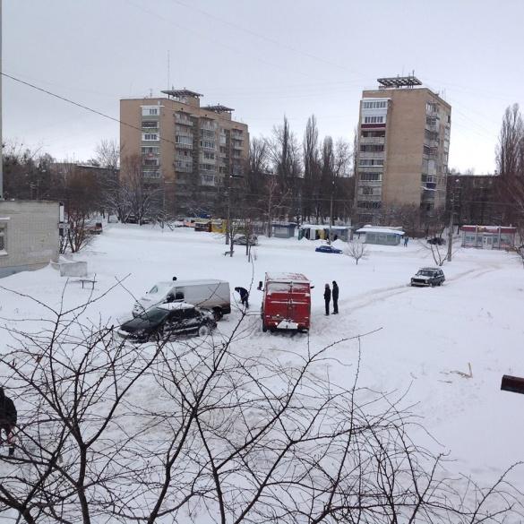 У полоні снігових заметів: автівки черкащан