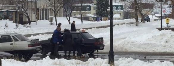 На Черкащині таксист побоксував із жінкою (ВІДЕО)