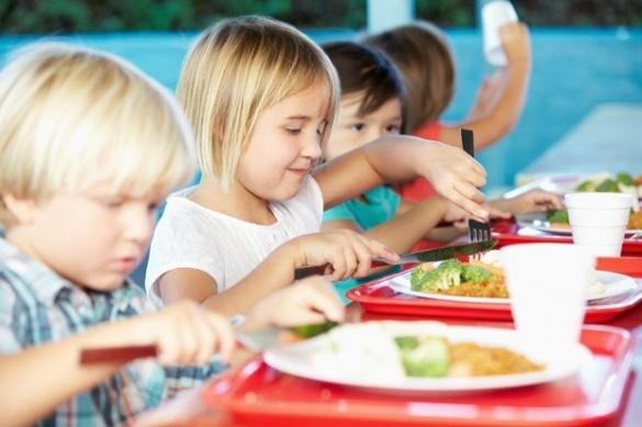 У черкаських школах і садочках діти їстимуть безкоштовно
