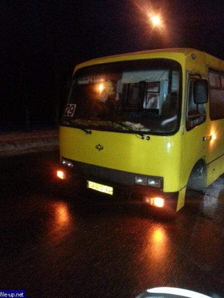 У черкаської маршрутки посеред дороги відпало колесо