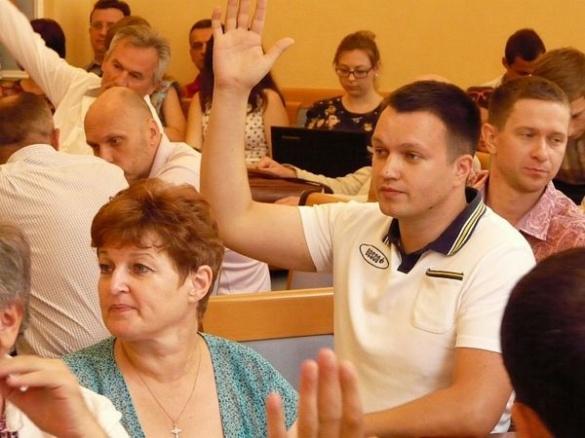 Жителі Черкас подякували депутату через міського голову (ФОТО)