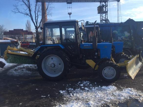 Черкаські дороги від снігу чистить нова техніка