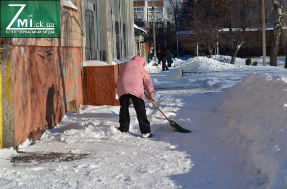 Черкаських підприємців штрафуватимуть за неприбрану від снігу територію