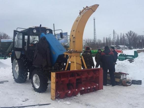 Для прибирання черкаських доріг від снігу придбали нову потужну іграшку