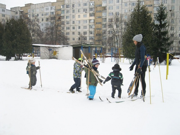 Черкаські дошкільнята стали на лижі