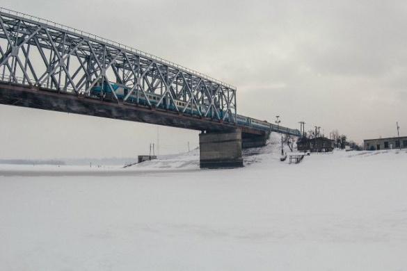Фотограф показав могутність черкаського мосту через Дніпро (ФОТО)