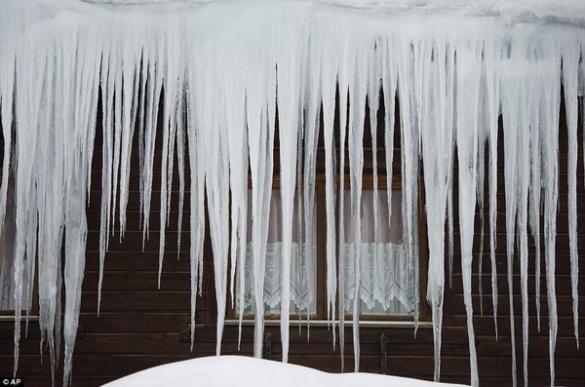 Черкащанам на голову можуть впасти брили криги й снігу