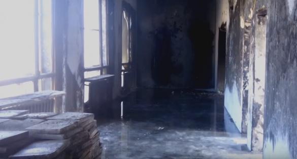 Тала вода заливає будівлю черкаського драмтеатру (ВІДЕО)