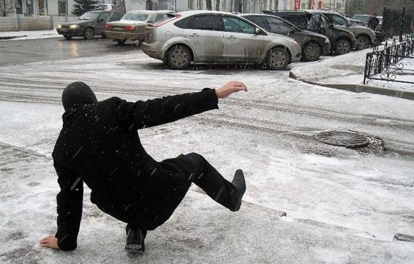 У травмпунктах Черкас ажіотаж: від падінь на дворі люди отримують переломи