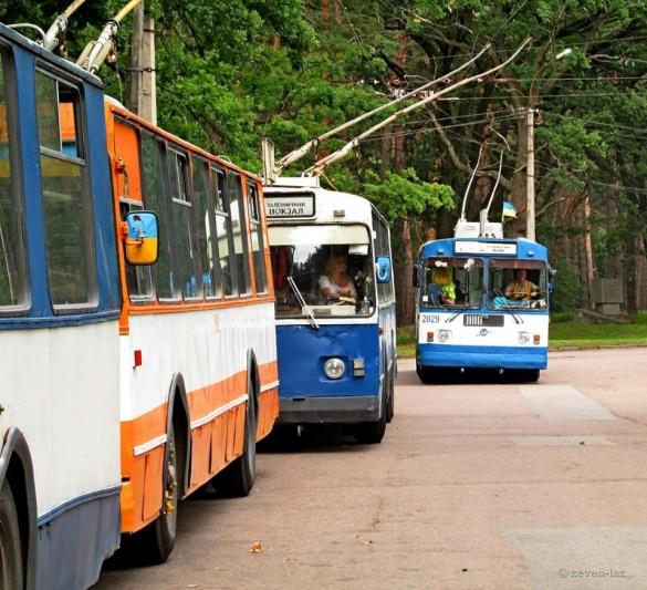 У Черкасах частково змінили маршрути тролейбусів