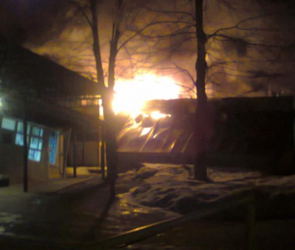 Відомий черкаський бар згорів під час пожежі (ФОТО)