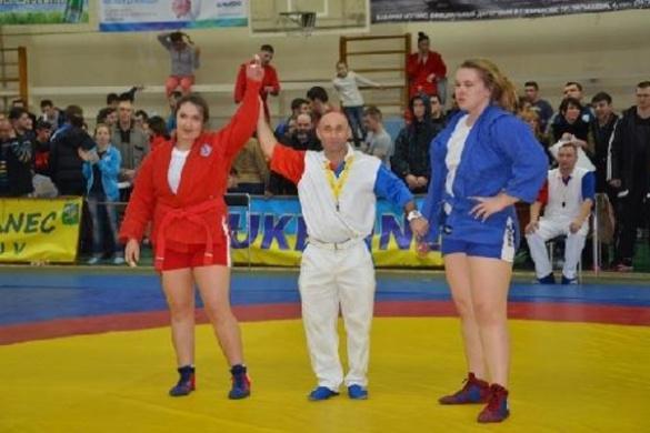 Черкащанка стала кращою самбісткою України